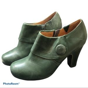 MIZ MOOZ green leather Maya booties